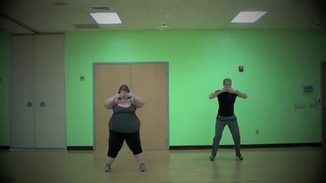 podruga-tantsuet-striptiz