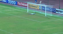 Uzbekistan_goalkeeper_Jasurbek_Umrzakov_scores_from_his_own_half_in_AFC_U-16_Championship_2016