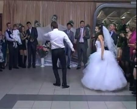 Танцующая свадьба ролик